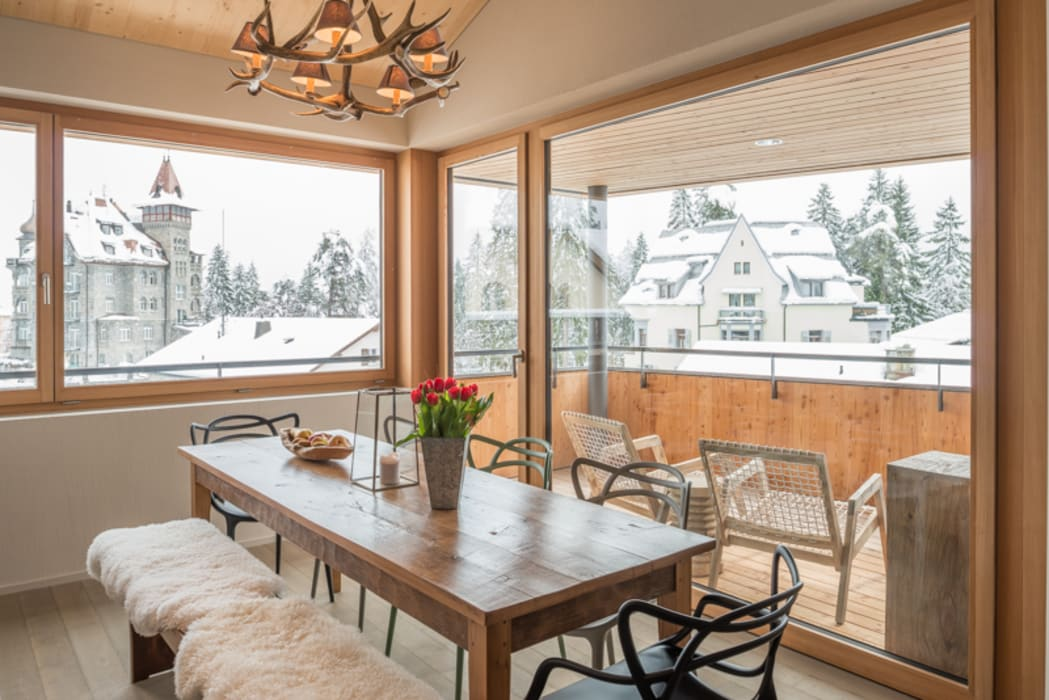 Phòng ăn by FVDB Photography