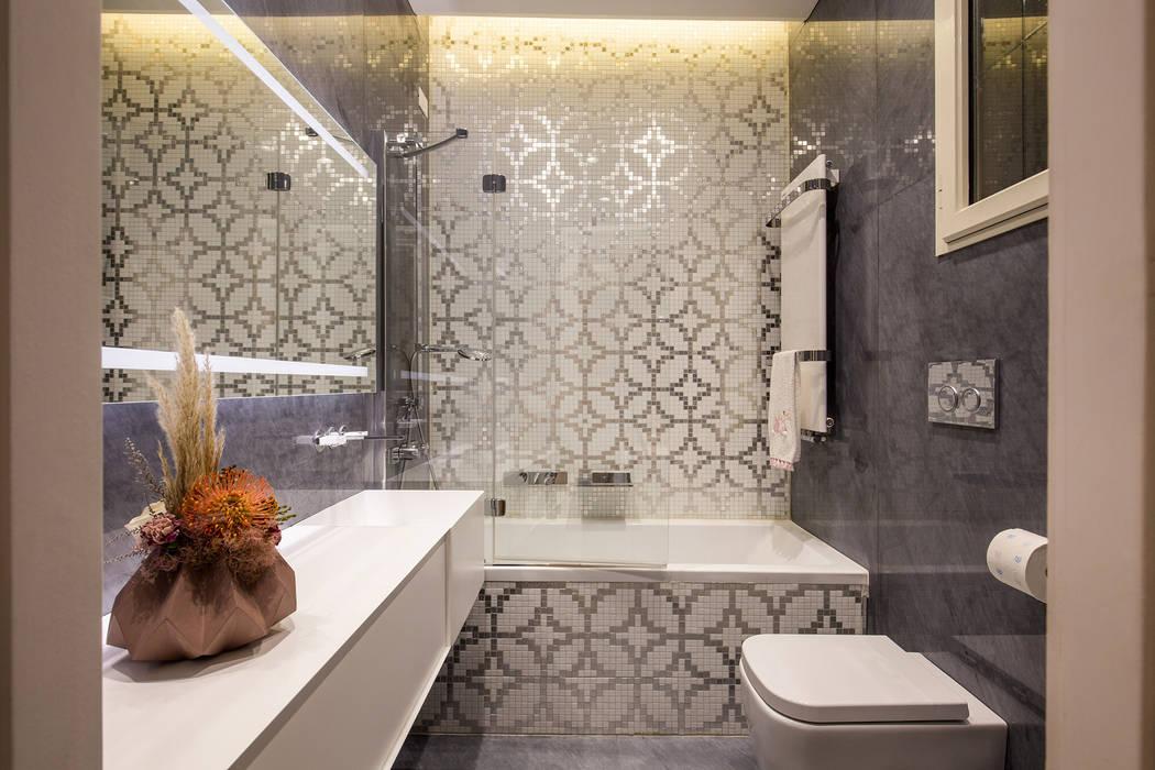Bathroom by MOB ARCHITECTS,