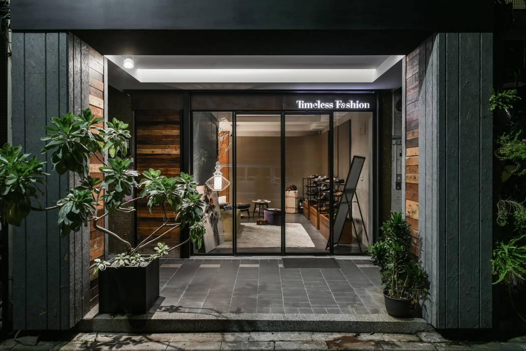Pusat Perbelanjaan Modern Oleh Luova 創研俬.集 Modern