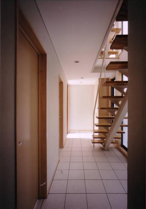 豊田空間デザイン室 一級建築士事務所 Ingresso, Corridoio & Scale in stile scandinavo