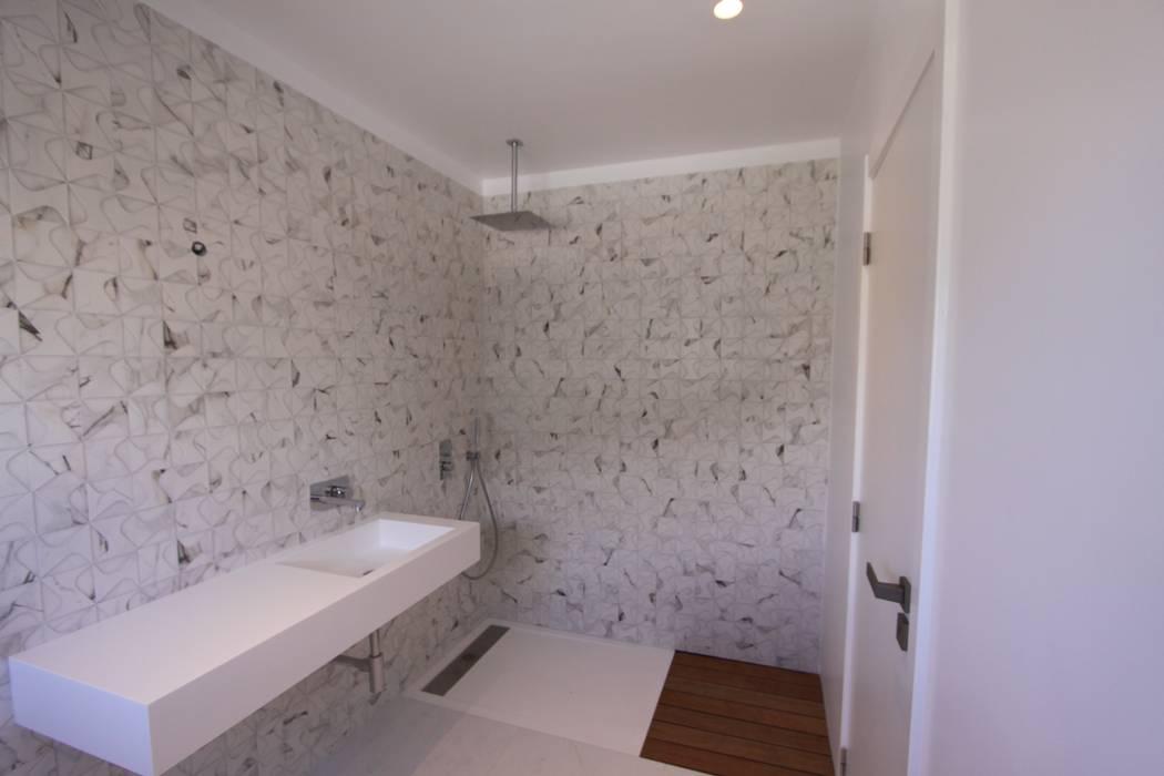tampcor 現代浴室設計點子、靈感&圖片