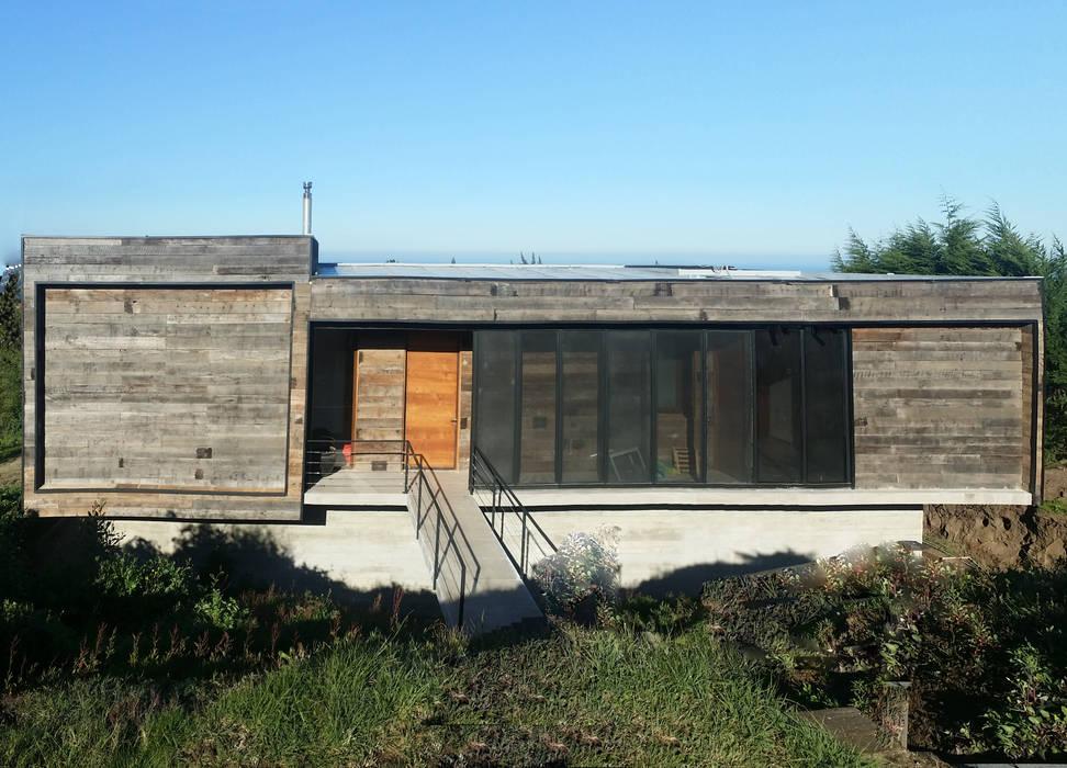 Casa Cantagua Casas estilo moderno: ideas, arquitectura e imágenes de F+F Arquitectos Moderno Madera Acabado en madera