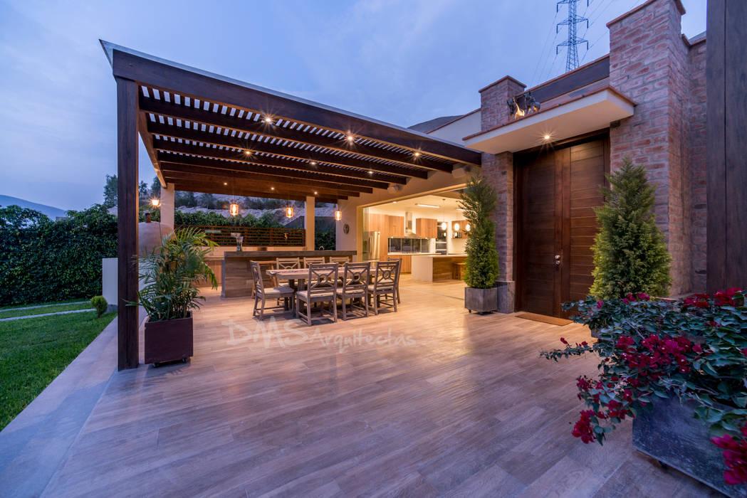 CASA EN CIENEGUILLA: Casas de estilo  por DMS Arquitectas,