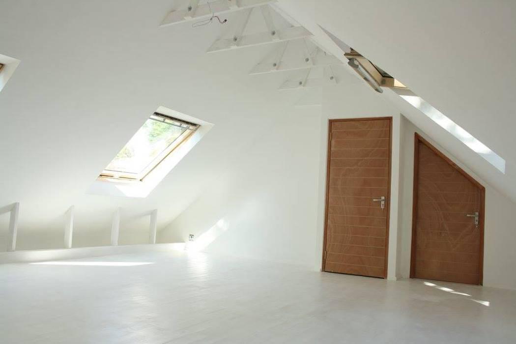 Loftspace Modern style bedroom