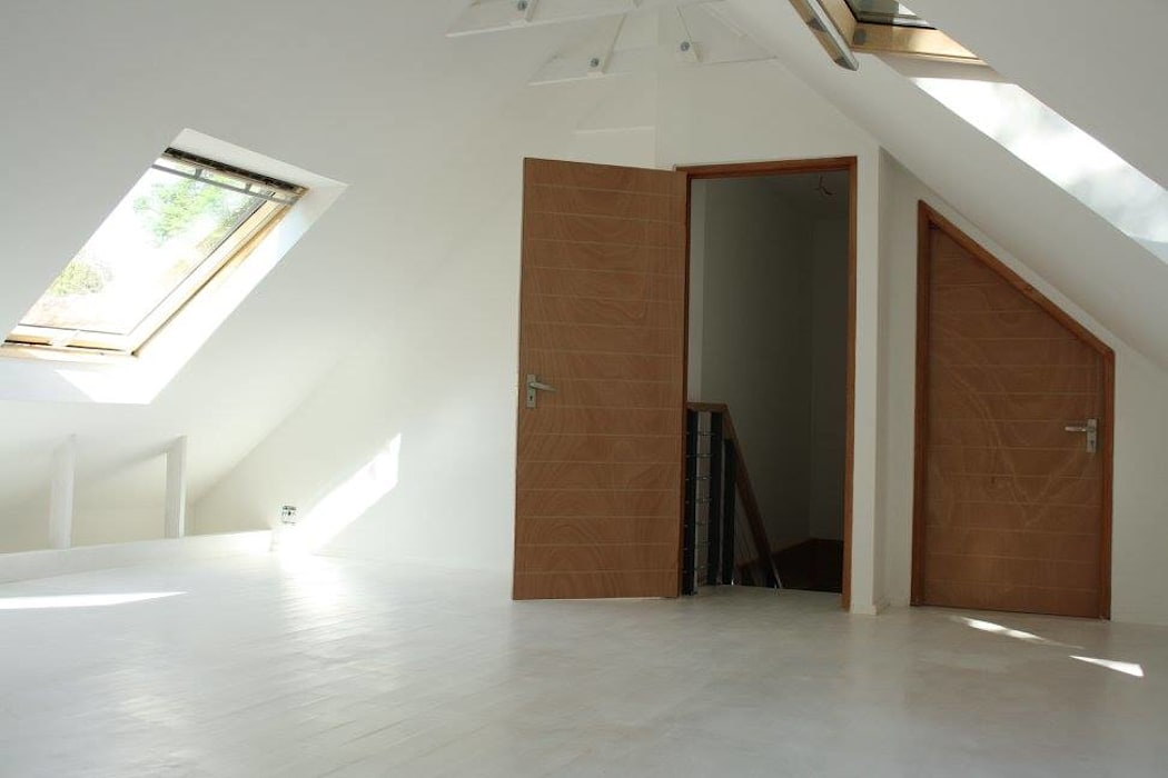 Modern Bedroom by Loftspace Modern