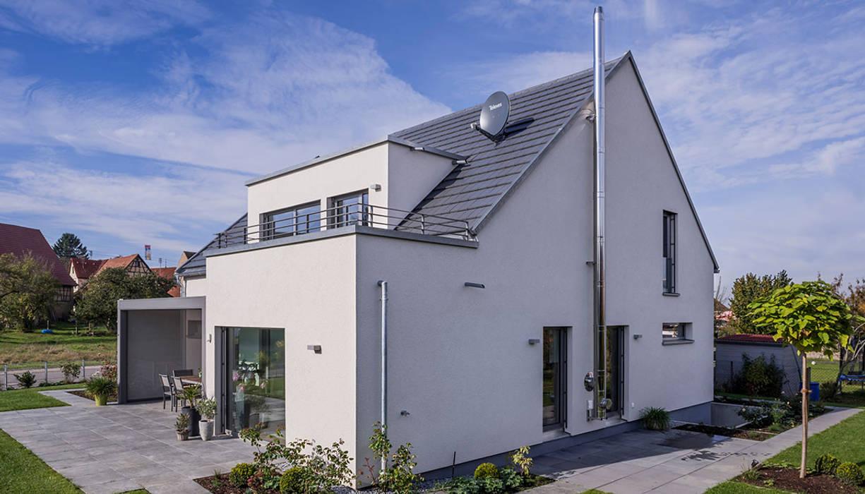 Satteldach Haus Mit Gaube Und Dachterrasse Einfamilienhaus Von