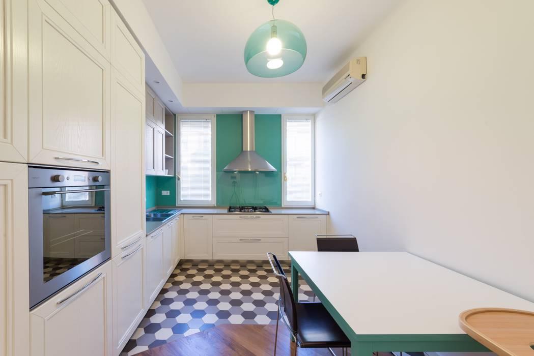 Cucina: Cucina in stile in stile Moderno di Amodo