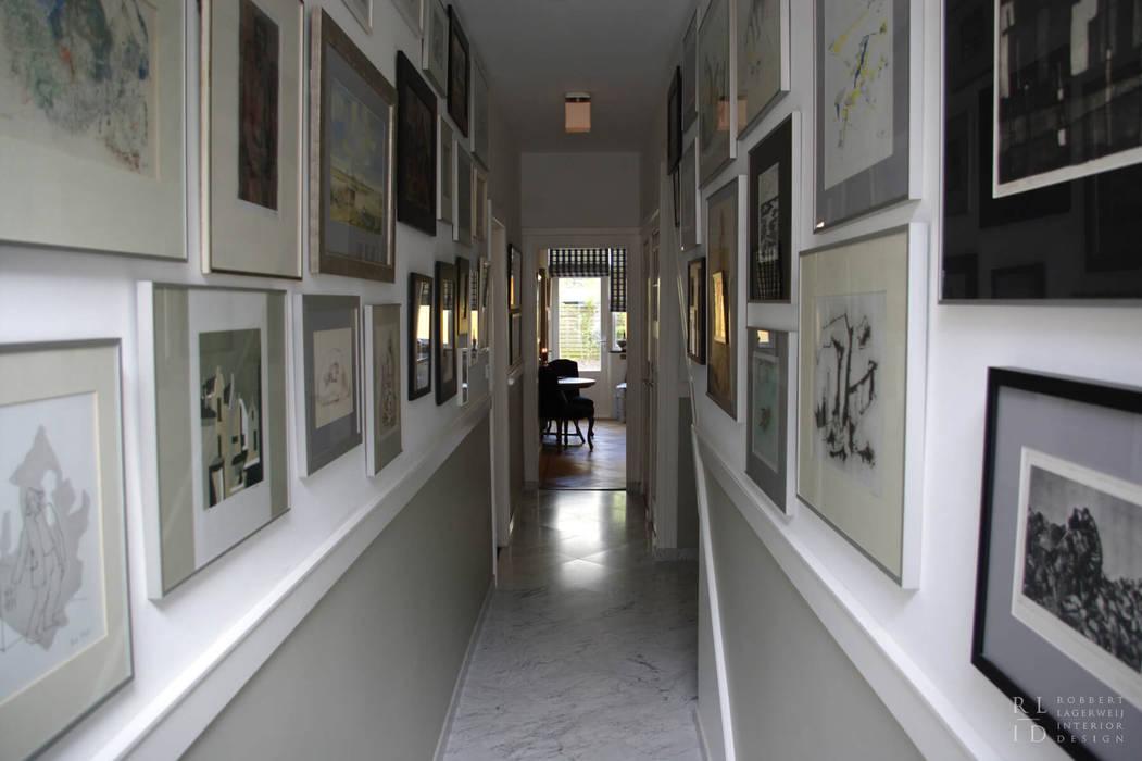 Robbert Lagerweij Interior Design Pasillos, vestíbulos y escaleras de estilo clásico Mármol Gris