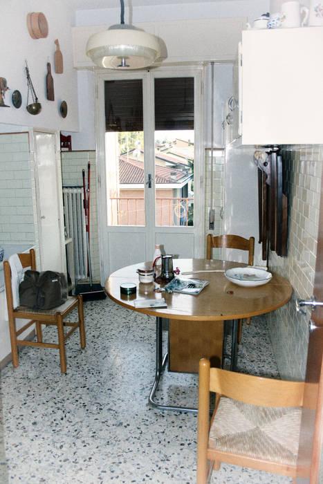 Ristrutturazione e arredo di un appartamento anni \'50: cucina in ...