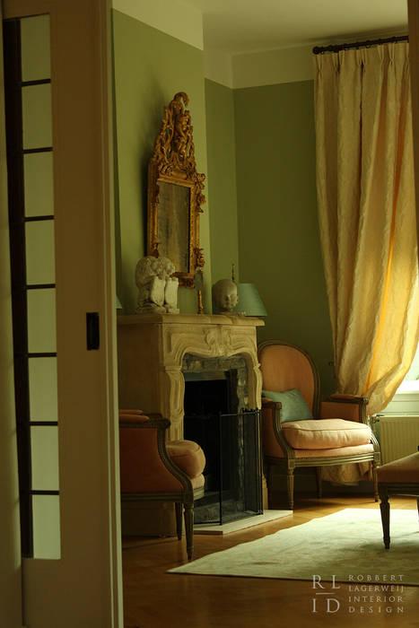 Herenhuis jaren \'20 oegstgeest: klasieke woonkamer door robbert ...
