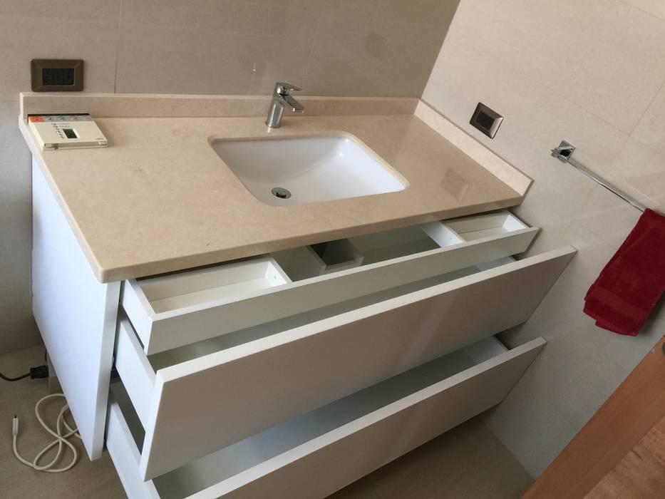 PROYECTOS Baños de estilo clásico de DONNA AND WOOD SPA Clásico Mármol