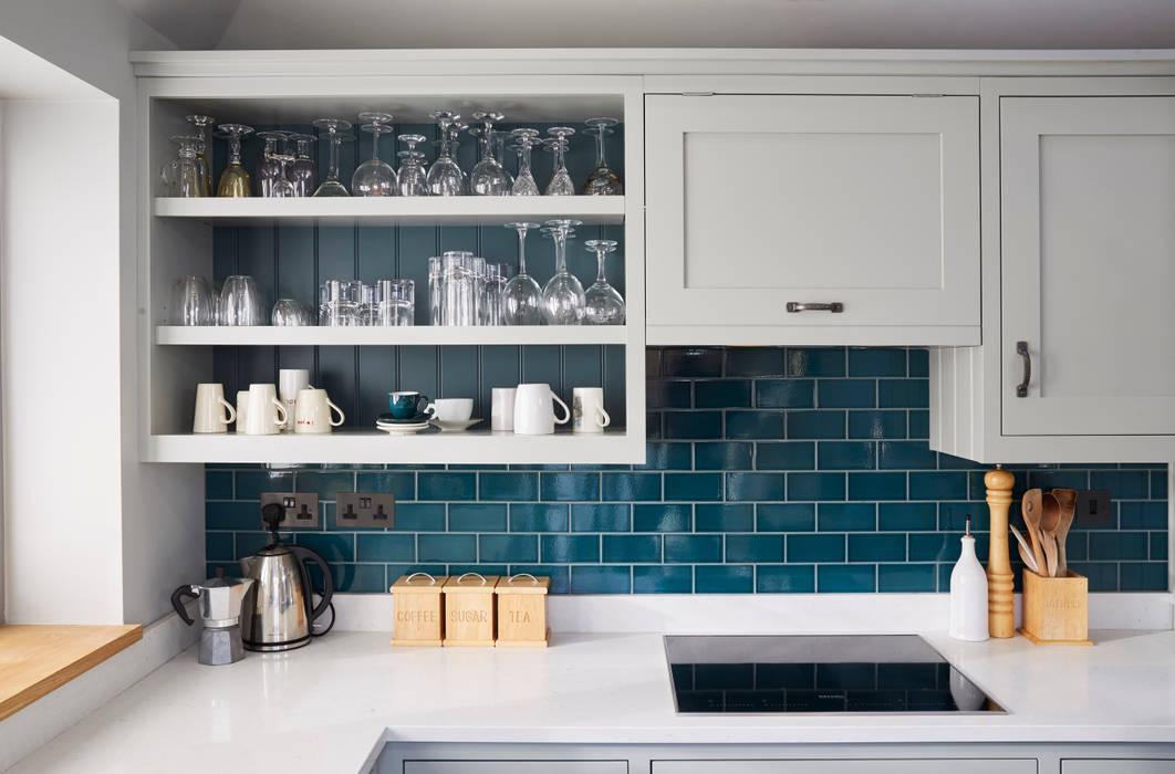 Friern Barnet 1 Laura Gompertz Interiors Ltd Classic style kitchen
