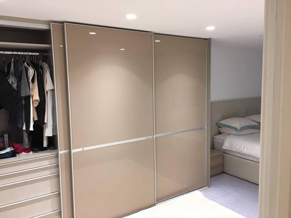 modern  by Kleiderhaus ltd, Modern