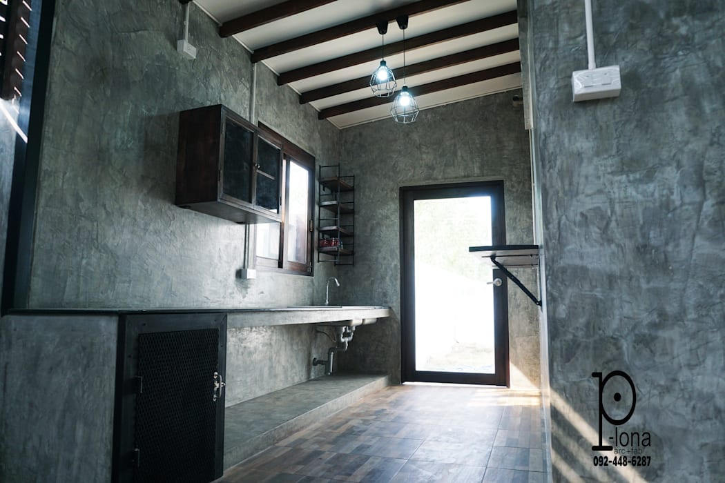 ห้องครัวไทยสไตล์ลอฟท์ โดย P-lona อินดัสเตรียล คอนกรีต