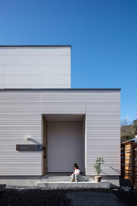 有限会社アルキプラス建築事務所 บ้านและที่อยู่อาศัย Grey