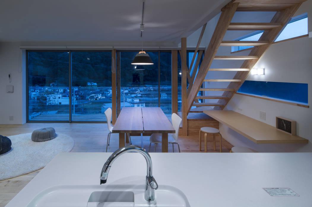 有限会社アルキプラス建築事務所 ห้องครัว