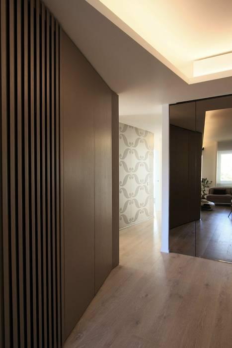 Armadio A Muro Ingresso.Particolare Ingresso Armadio Muro Ingresso Corridoio In Stile Di