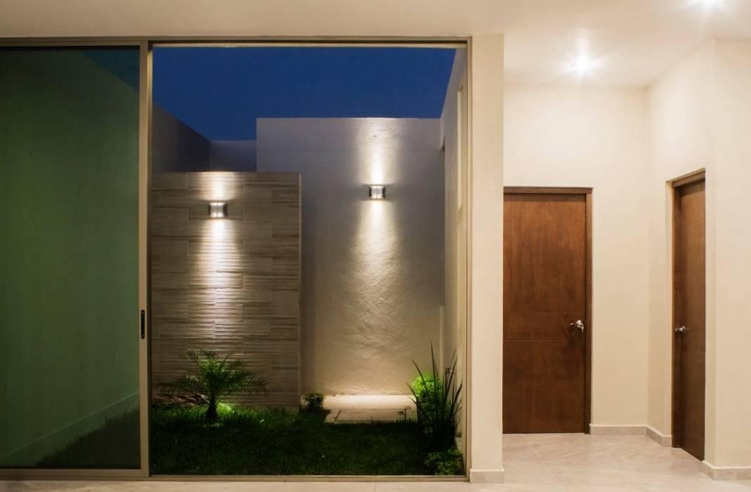 Carpatos #130 MOVE Arquitectos Paredes y pisos de estilo moderno