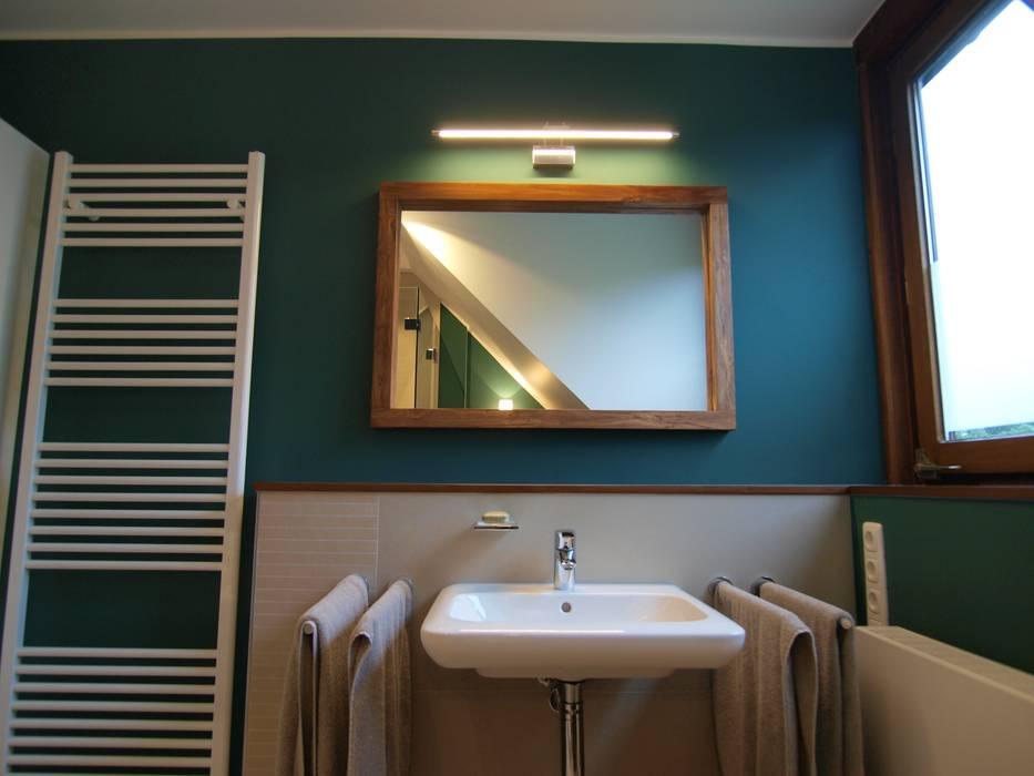 Charakterstarkes bad unter dachschräge: badezimmer von ...