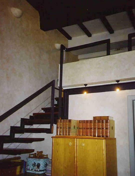 1 delle camere ragazze: Camera da letto in stile in stile Moderno di Studio arch. Orban Agota