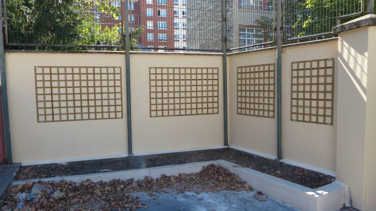 Mur végétal extérieur - Support treillis bois: Jardin de style  par Vertical Flore