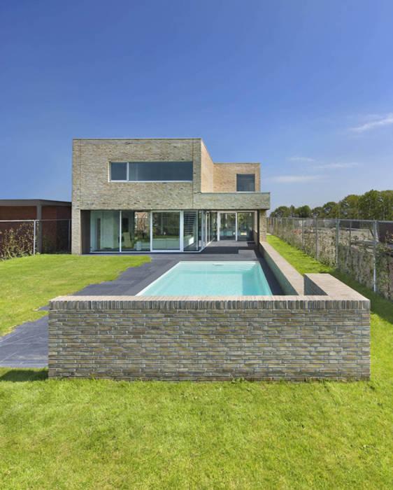 villa N Moderne tuinen van VAN ROOIJEN ARCHITECTEN Modern