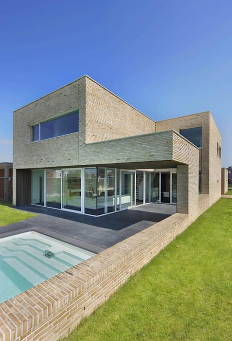 Maisons modernes par VAN ROOIJEN ARCHITECTEN Moderne