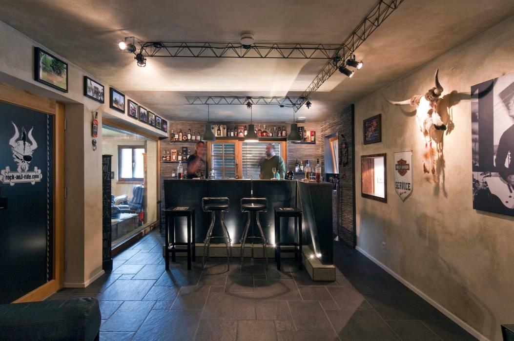 Whisky Bar Ausgefallene Weinkeller von w. raum Architektur + Innenarchitektur Ausgefallen