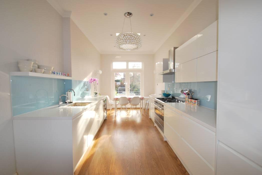 Complete kitchen redesign: modern Kitchen by fleur ward interior design