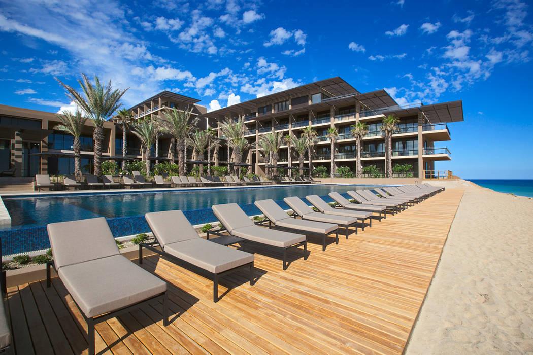 JW Marriott Cabos - IDEA Asociados: Terrazas de estilo  por IDEA Asociados