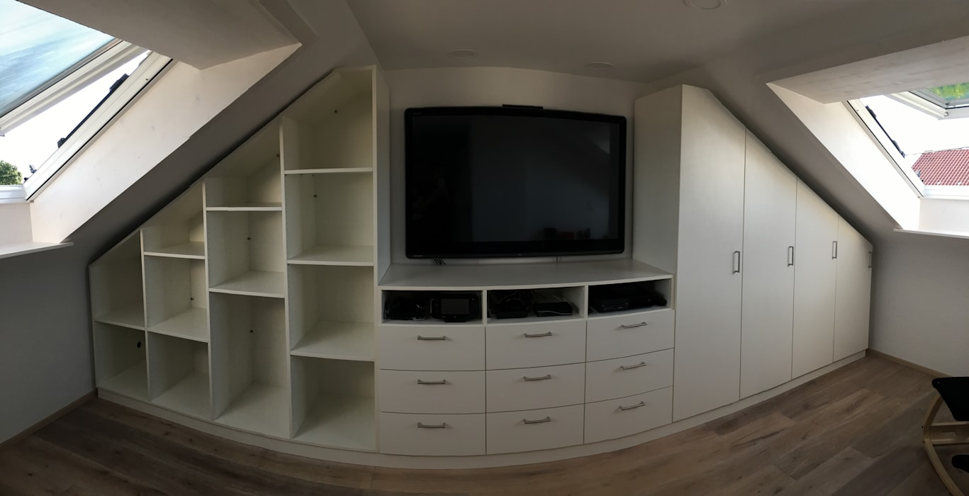 Einbauschrank auf dem dachboden mit integriertem tv : schlafzimmer ...