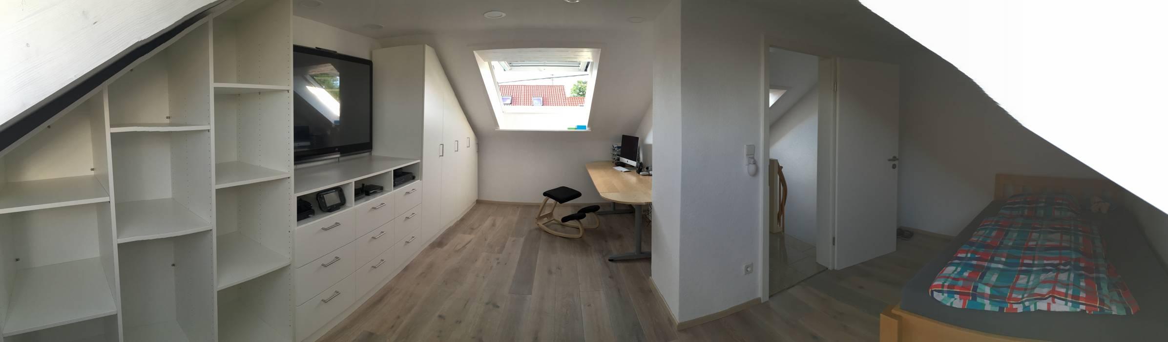 Einbauschrank auf dem dachboden mit integriertem tv: schlafzimmer ...