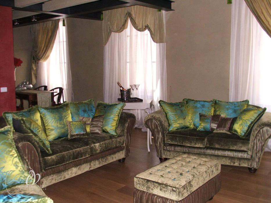 ARMONIE FUSION: Soggiorno in stile in stile Classico di Emanuela Volpicelli Interior Designer