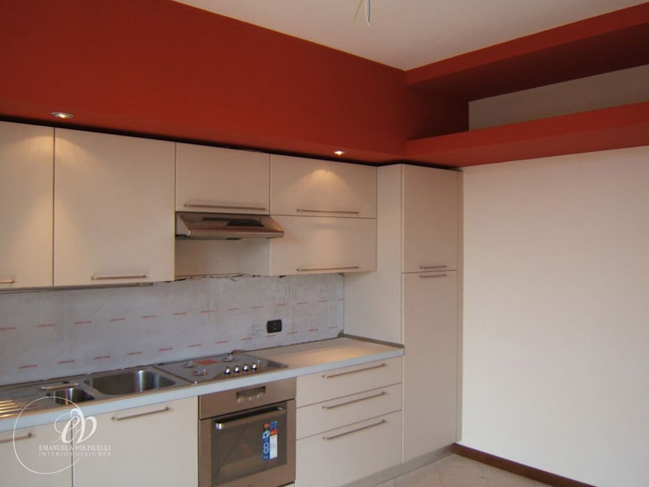 ELEGANTE LINEARITA': Cucina in stile in stile Moderno di Emanuela Volpicelli Interior Designer