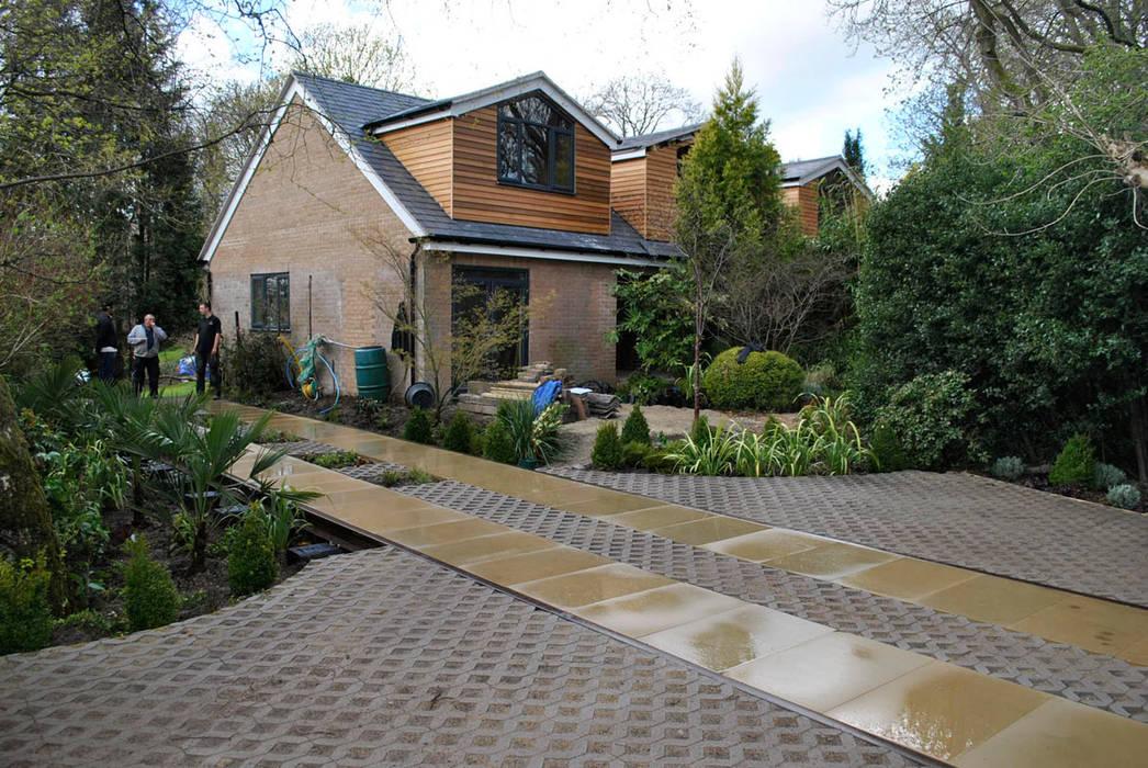Front garden design:  Garden by Oxbow GLD