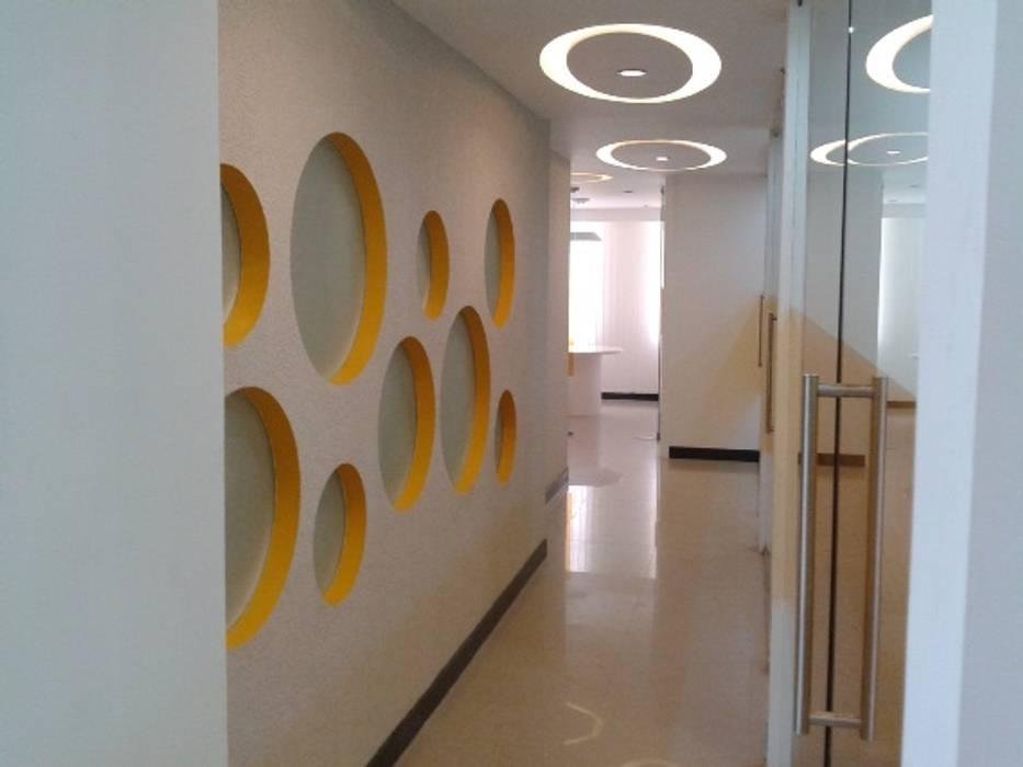 Real Estate Office, Bhubaneswar Moderne Bürogebäude von Schaffen Amenities Private Limited Modern
