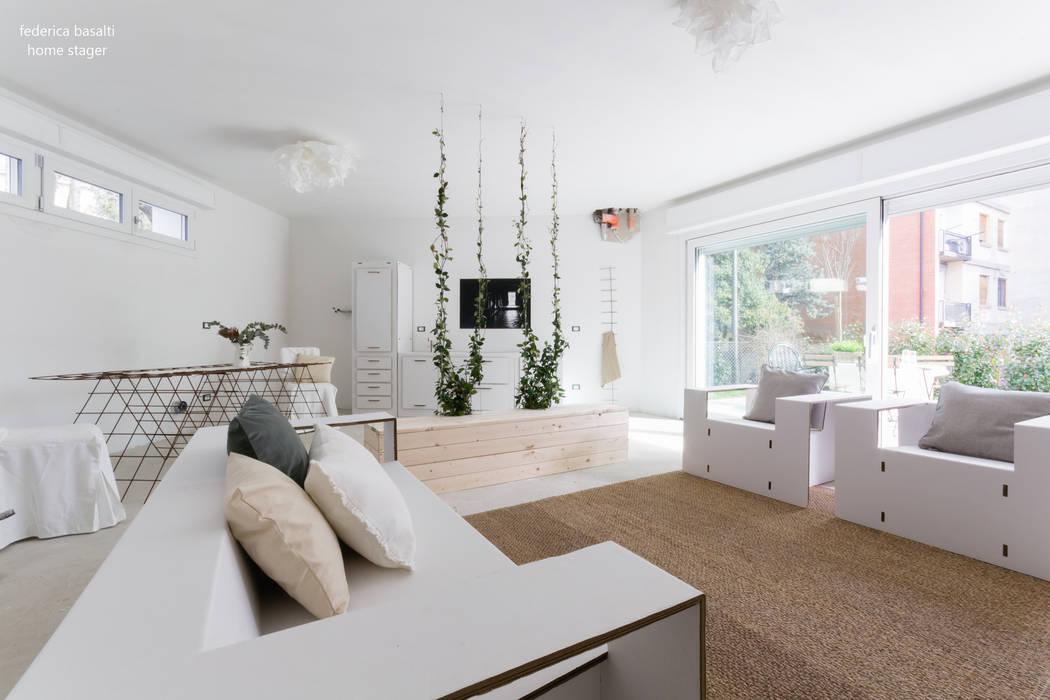 Il soggiorno con cucina a vista: soggiorno in stile di ...