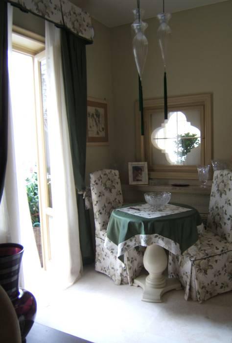 FASCINO SENZA TEMPO: Cucina in stile in stile Classico di Emanuela Volpicelli Interior Designer