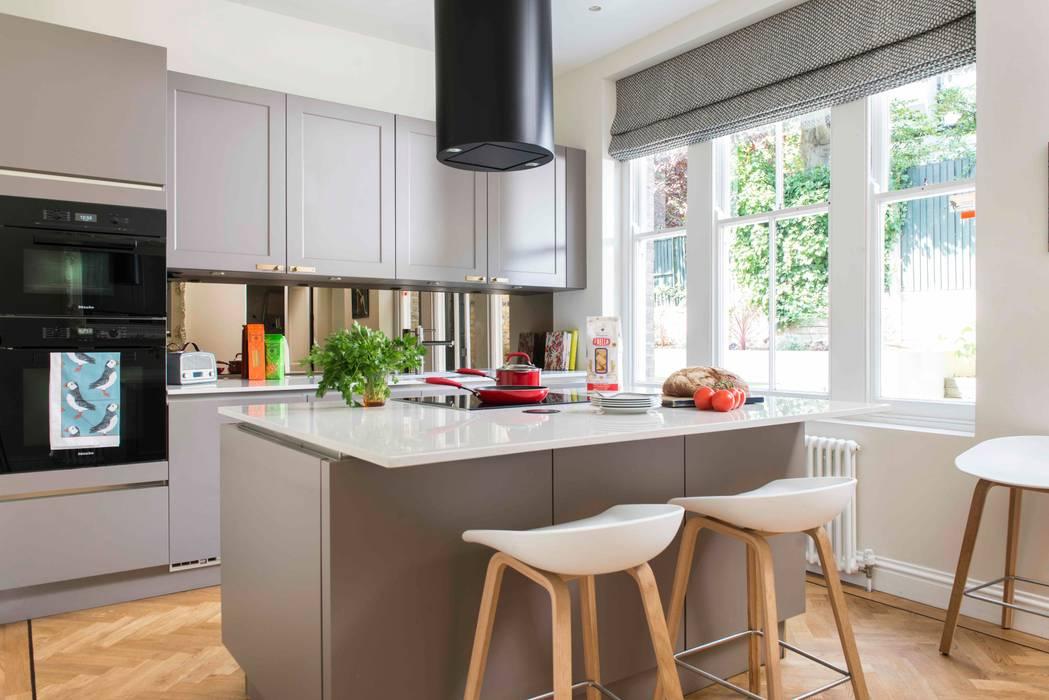 Whitehall Park Residential Modern Mutfak SWM Interiors & Sourcing Ltd Modern Ahşap Ahşap rengi
