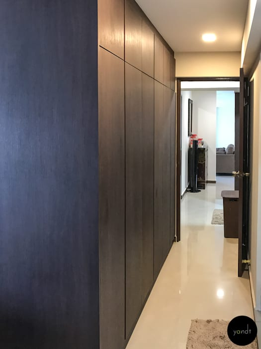 Entrance of Master bedroom Asian style bedroom by Y&T Pte Ltd Asian Wood Wood effect