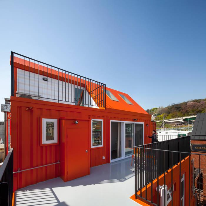Modern style balcony, porch & terrace by homify Modern