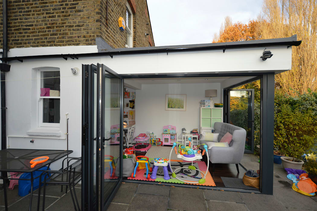 Penge East, Bromley SE26, London | Rear house extension:  Nursery/kid's room by GOAStudio | London residential architecture