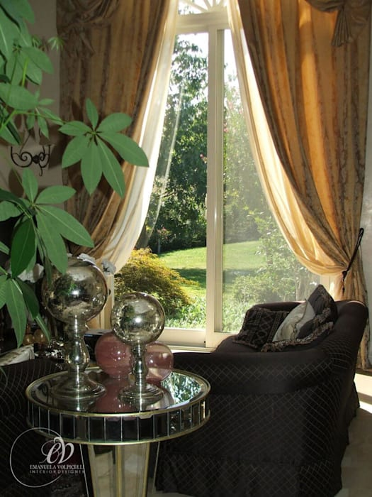 GALLERY: Soggiorno in stile in stile Classico di Emanuela Volpicelli Interior Designer