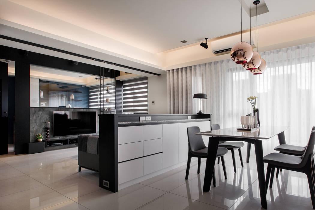 Modern Dining Room by 大丘國際空間設計 ABMIDS Modern