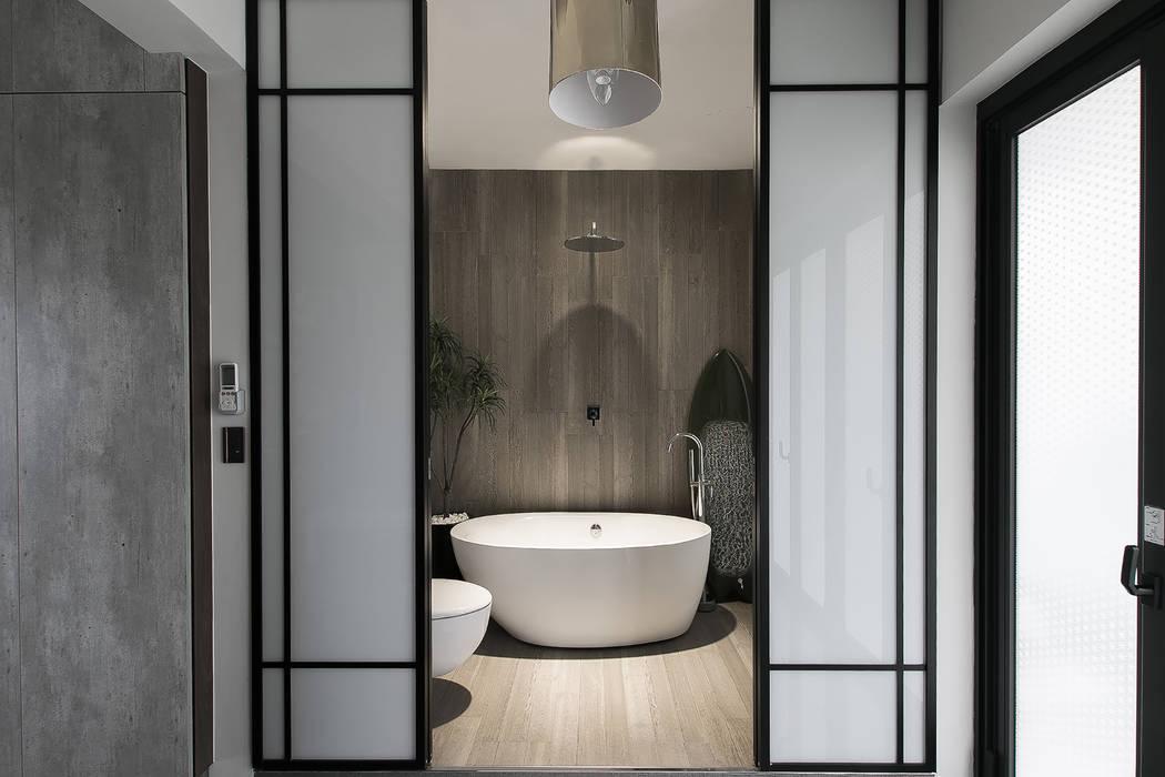 NATURALLY 璞碩室內裝修設計工程有限公司 現代浴室設計點子、靈感&圖片 磁磚 Grey