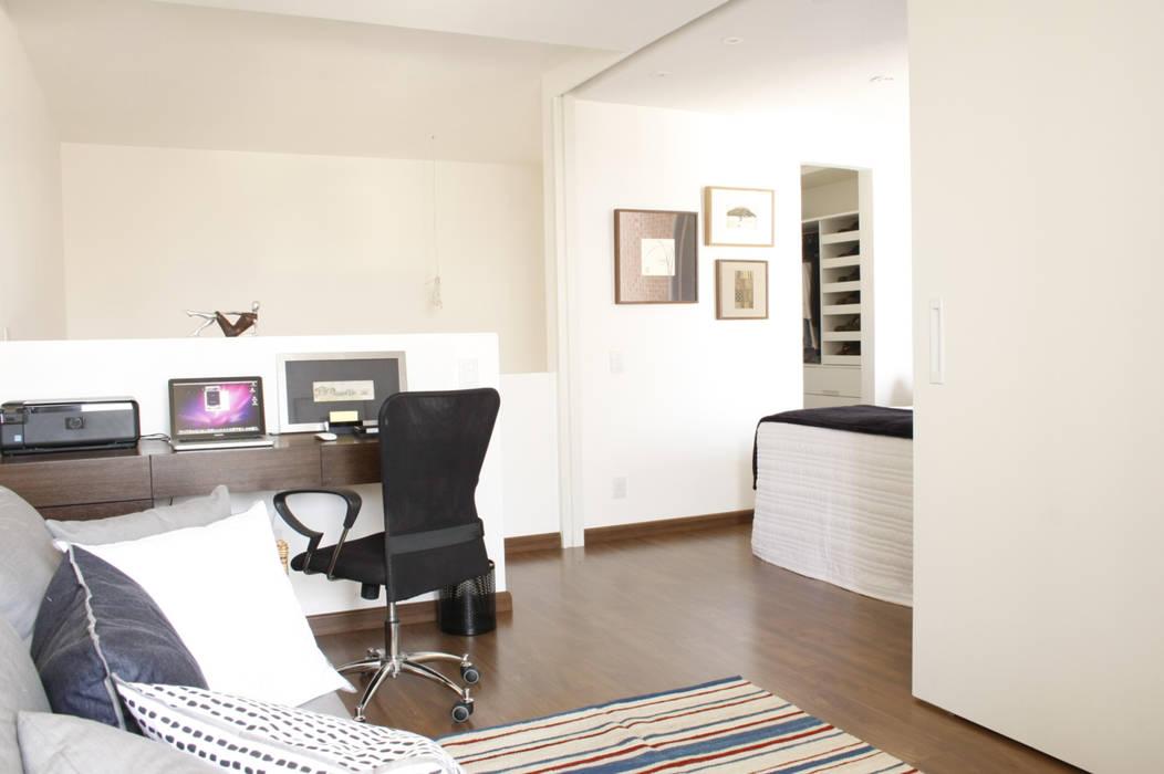 Escritório e quarto superior por Mario Catani - Arquitetura e Decoração Minimalista