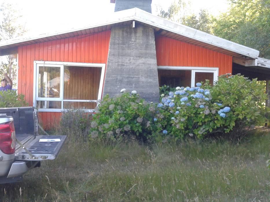 Estado original: fachada principal Casas rurales de homify Rural Madera Acabado en madera