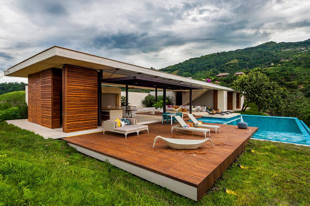 Vista General Casas modernas de Arquitectura en Estudio Moderno Madera Acabado en madera
