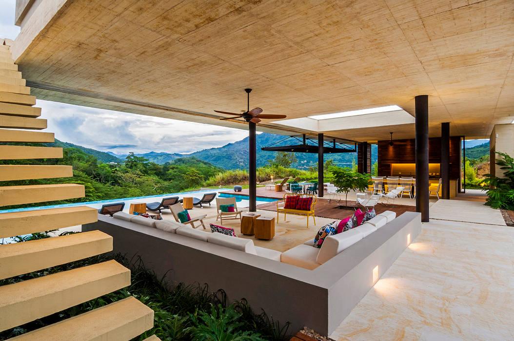 Salón Salas modernas de Arquitectura en Estudio Moderno Concreto