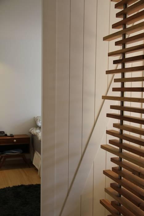 modern  von KDF Arquitectura, Modern Holz Holznachbildung